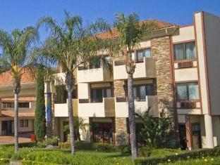 Tropicana Inn And Suites Anaheim (CA) - Exterior