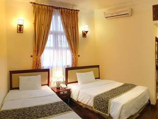 Royal II Hotel - Room type photo