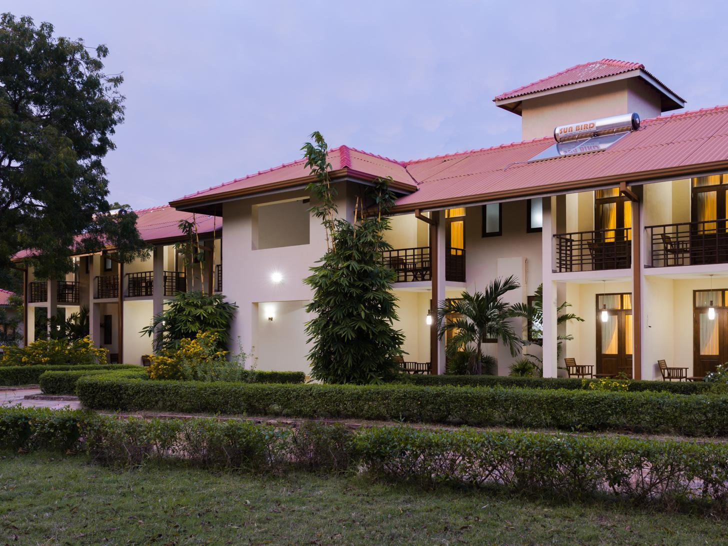 Chenra Hotel - Hotels and Accommodation in Sri Lanka, Asia