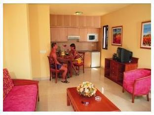 Guest Room - Broncemar Beach Hotel