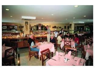 Restaurant - Broncemar Beach Hotel