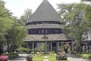 サファリ パーク ホテルの外観