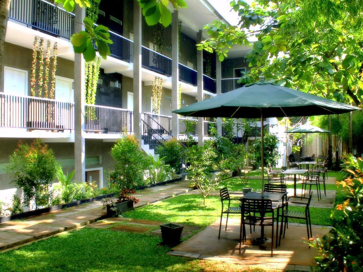 Safwah Bintaro Guest House Syariah - Hotels and Accommodation in Indonesia, Asia
