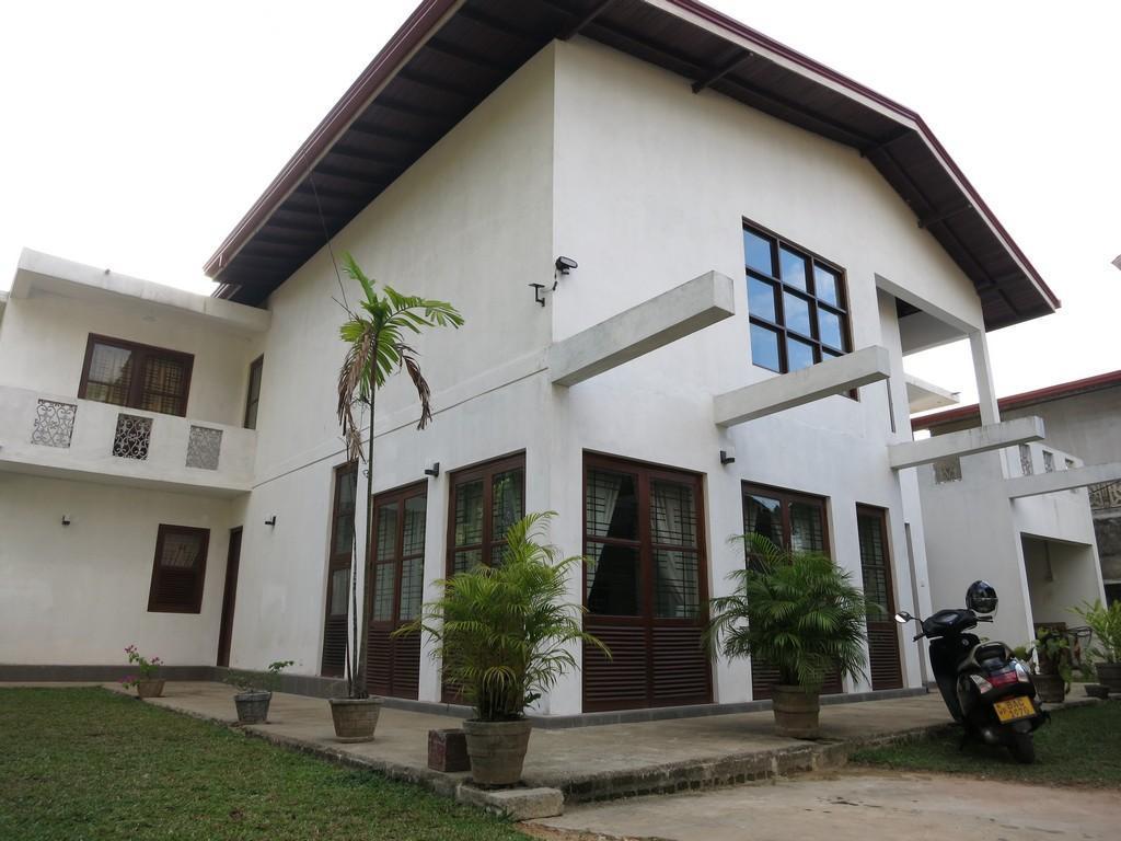 Shanthi Villa - Hotels and Accommodation in Sri Lanka, Asia