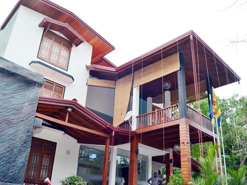 Senrose Hotel - Hotels and Accommodation in Sri Lanka, Asia