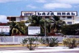 ラジャ リアル ホテルの外観