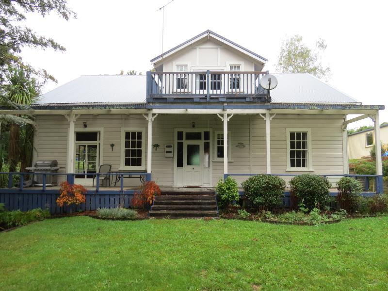 The Old Courthouse Bed and Breakfast - Hotels and Accommodation in New Zealand, Pacific Ocean And Australia