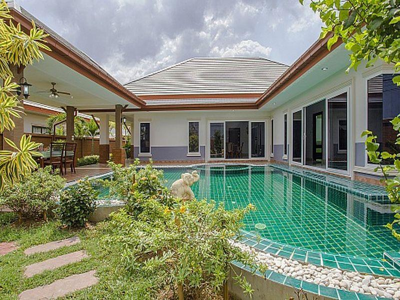 Thammachat Victoria Villa - Hotels and Accommodation in Thailand, Asia