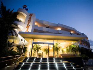 Club Martha's Hotel