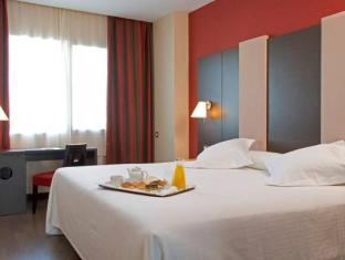 NH Agustinos Hotel Pamplona - Guest Room