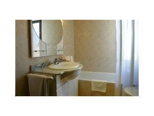Comtes de Queralt Hotel Salou - Bathroom