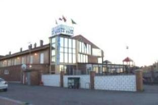 Chateau la Roca Hotel