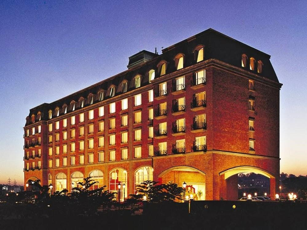 Hotel Royal Orchid Bangalore - Hotel and accommodation in India in Bengaluru / Bangalore