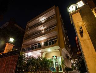 AFRICA AVENUE ANAND LOK HOTEL