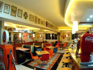 Crown Regency Residences Davao Hotel Davao - Fifties Cafe