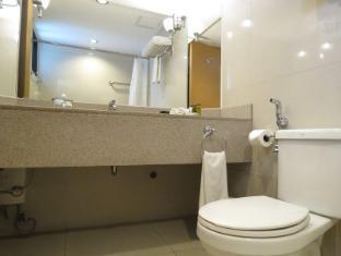 G Hotel Manila - Bathroom