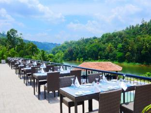 Cinnamon Citadel Kandy Kandy - Dine by the River view