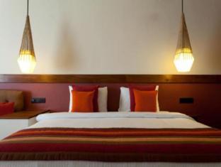 Cinnamon Citadel Kandy Kandy - Deluxe Room