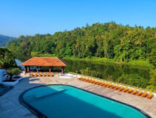 Cinnamon Citadel Kandy Kandy - Poolside view