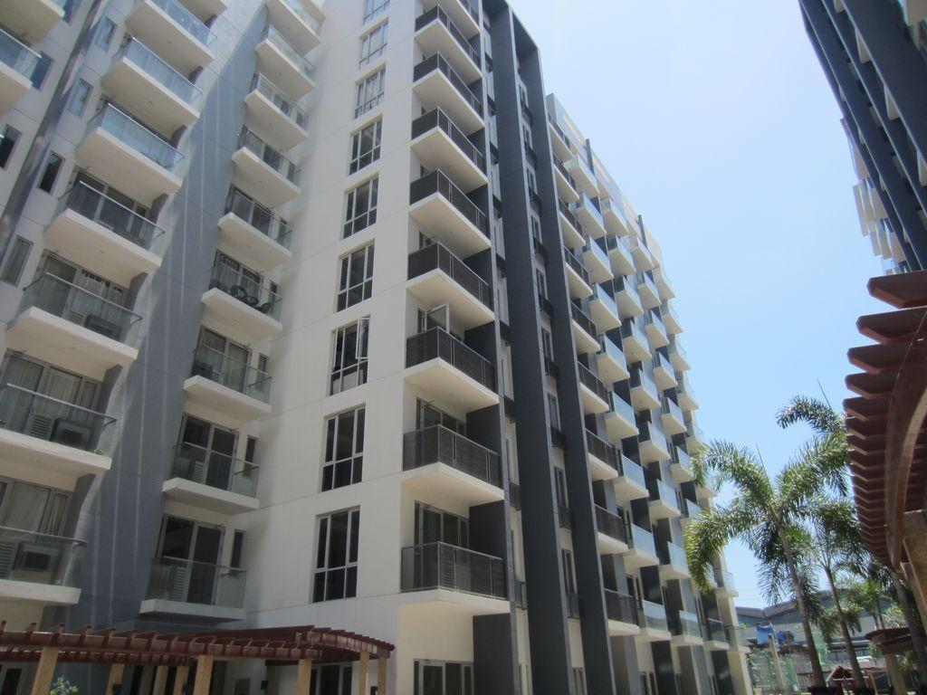Palm Tree - Genlex Condominium - Hotels and Accommodation in Philippines, Asia