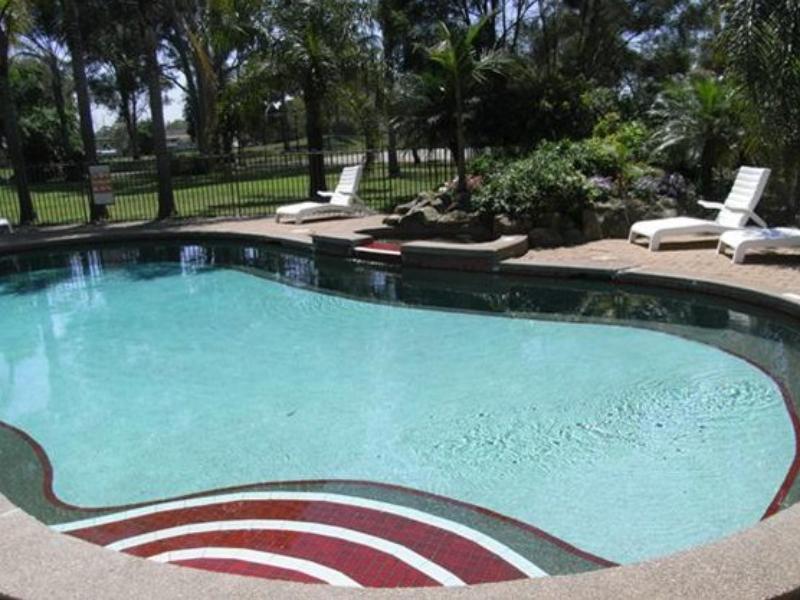 Charbonnier Hallmark Hotel - Hotell och Boende i Australien , Singleton