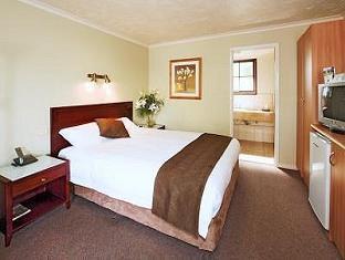 Best Western Tudor Motor Inn Hotel - Room type photo