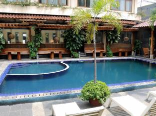 Mutiara Bandung Hotel Bandung - Swimming Pool