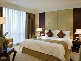 Pullman Shanghai Skyway - Room type photo
