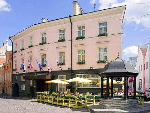 St Petersbourg Hotel Tallinn - Hotellet från utsidan