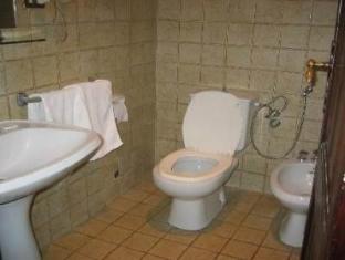 Coral Cosmopolitan Hotel Cairo - Bathroom