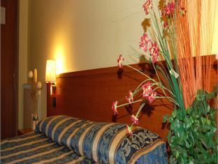 Adas Hotel