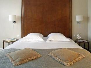 Warwick Hotel Geneva - Guest Room