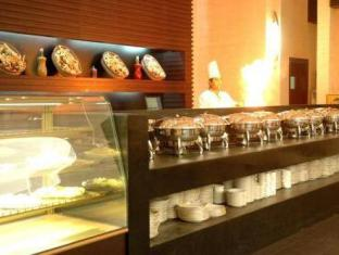 Lotus Grand Hotel Apartments Dubai - Food, drink and entertainment