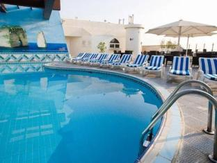 Capitol Hotel Dubai - Swimming pool