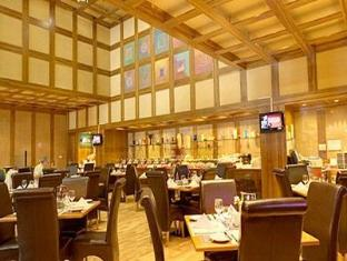 Capitol Hotel Dubai - Food, drink and entertainment