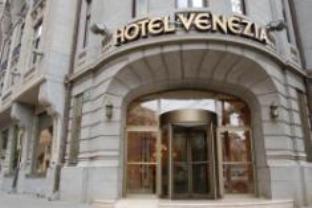 ベネツィア ホテルの外観