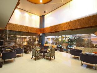 Sea Breeze Jomtien Resort Pattaya - Lobby