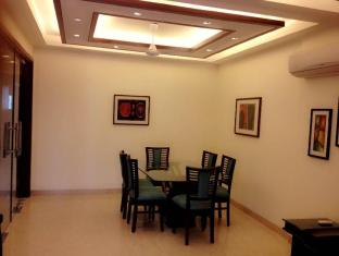 3 BHK BRAND NEW SERVICE IN GREEN PARK APARTMENTS