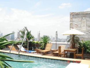 Grande Ville Hotel Bangkok - Piscina de hidromasaje