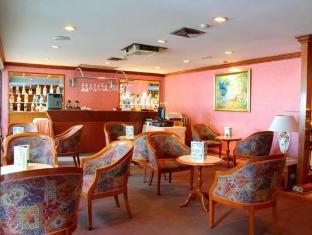 Grande Ville Hotel بانكوك - حانة/استراحة