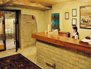 Taanilinna Hotel טלין - קבלה