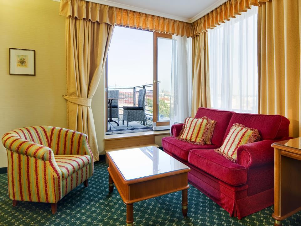 Longin Center - Prague - Marriott Executive Apartments Прага - Экстерьер отеля