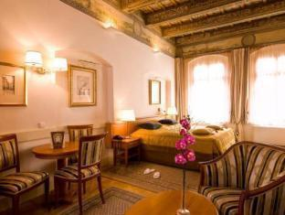 Santini Residence Praha - Didelis kambarys
