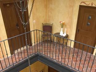 Hotel U Cerneho Orla Prague - Bahagian Dalaman Hotel