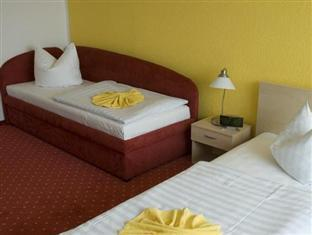 Berolina Airport Hotel Berlin - Triple Room
