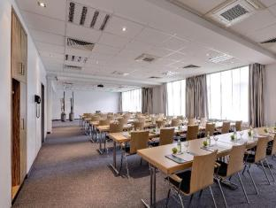 Park Inn by Radisson Berlin City West Berliini - Kokoushuone