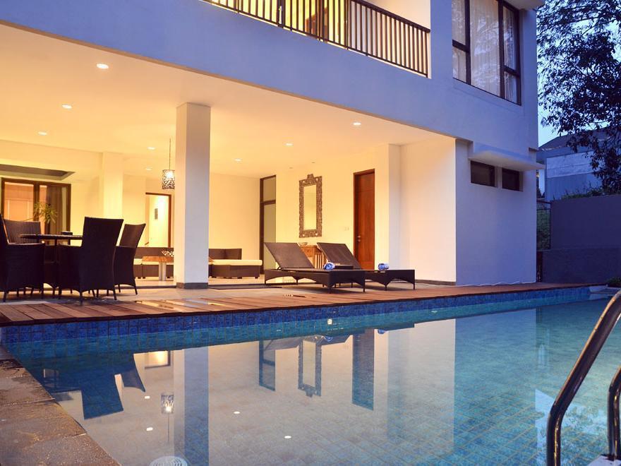 Pinus Villa Dago Private Pool - Bandung
