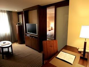 Royal Biz Hotel - Room type photo