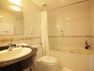 Moon View Hotel Hanoi - Bathroom