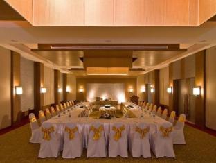 Peach Blossom Resort פוקט - חדר ישיבות